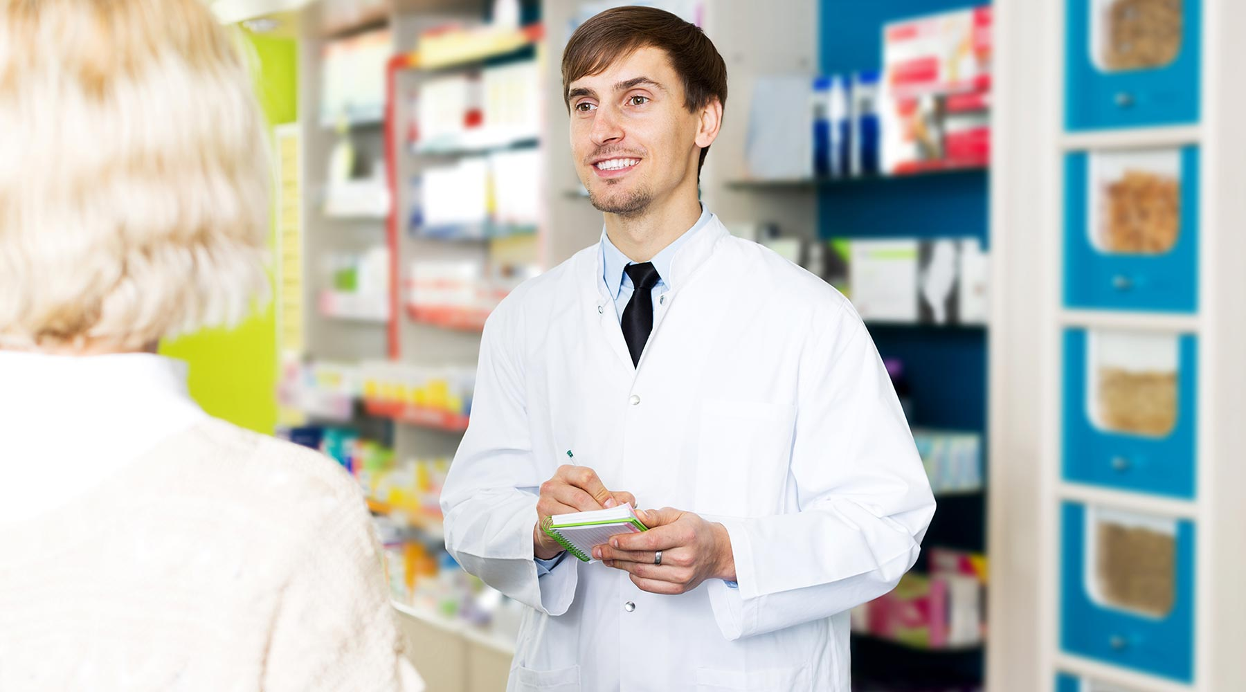5 Benefits to a Career as a Pharmacy Technician
